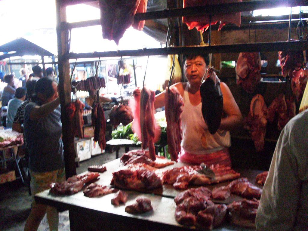 Banca de carnes para fazer o churrascão com os amigos (Foto: Matheus Pinheiro de Oliveira e Silva)